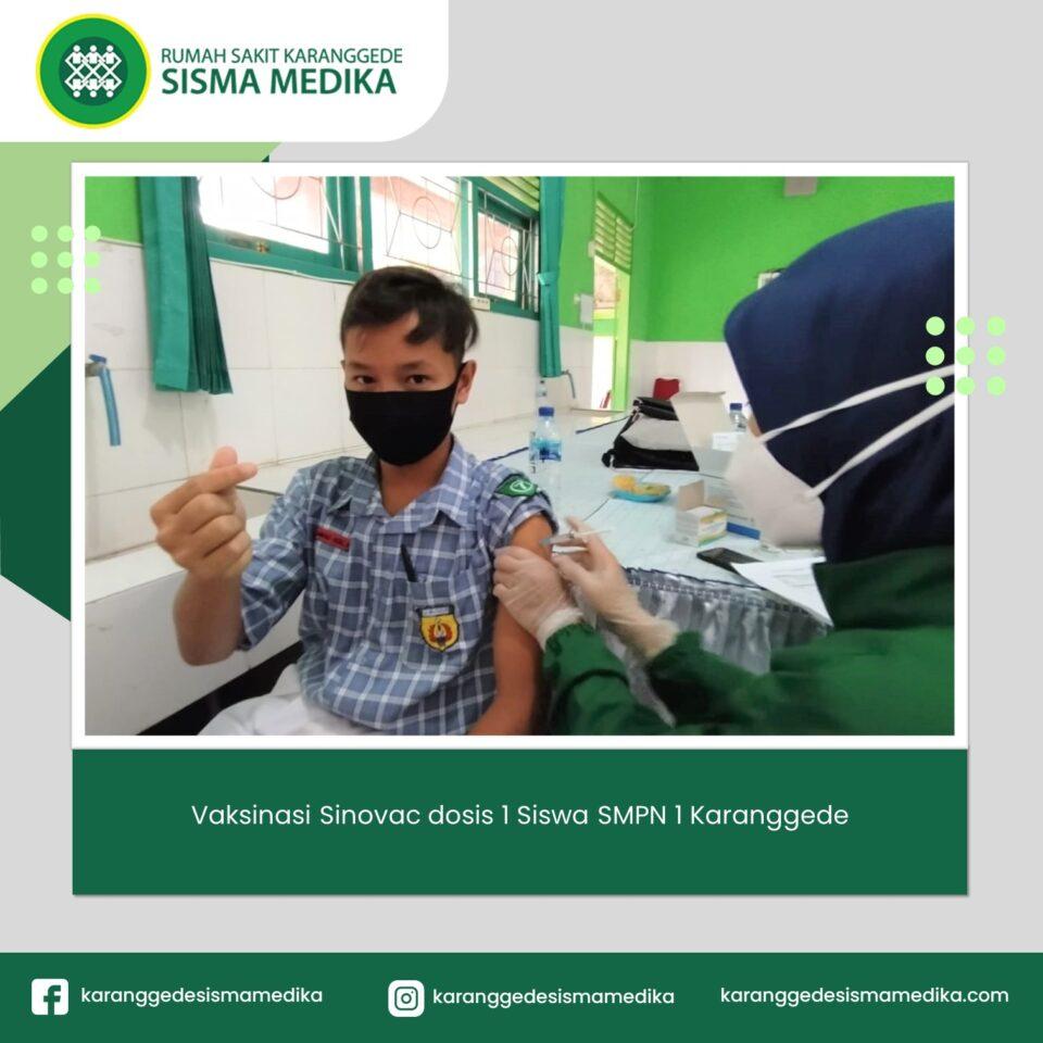 Vaksinasi-Sinovac-Siswa-SMPN-1-Karanggede.
